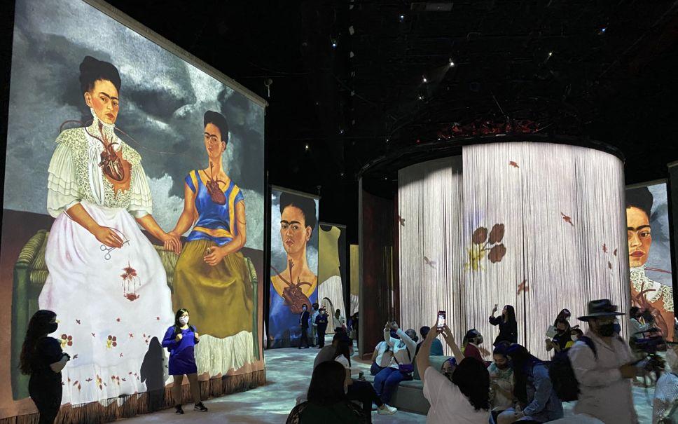 Frida y Van Gogh las experiencias inmersivas que integran a México en la reinterpretación del arte